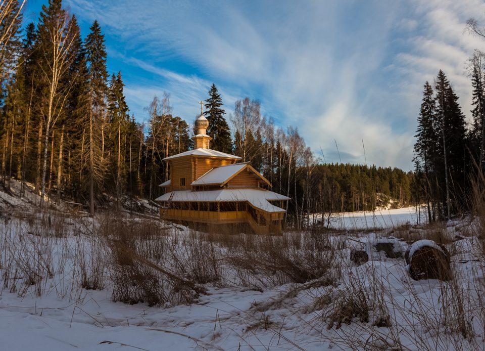 Храм Серафима Саровского на Порфильевском острове (строительство)