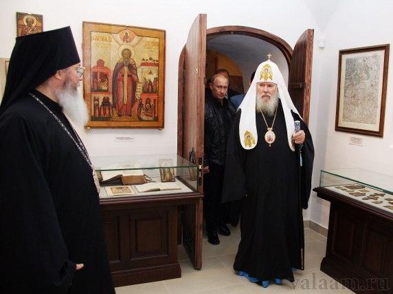 В музее Владимирского скита