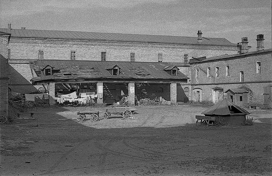 1983-разрушенный Валаам-Яковчук 110 работный дом