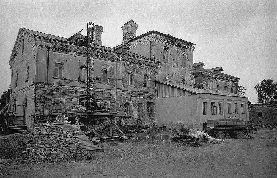1983-разрушенный Валаам-Яковчук 130 Водопроводный дом