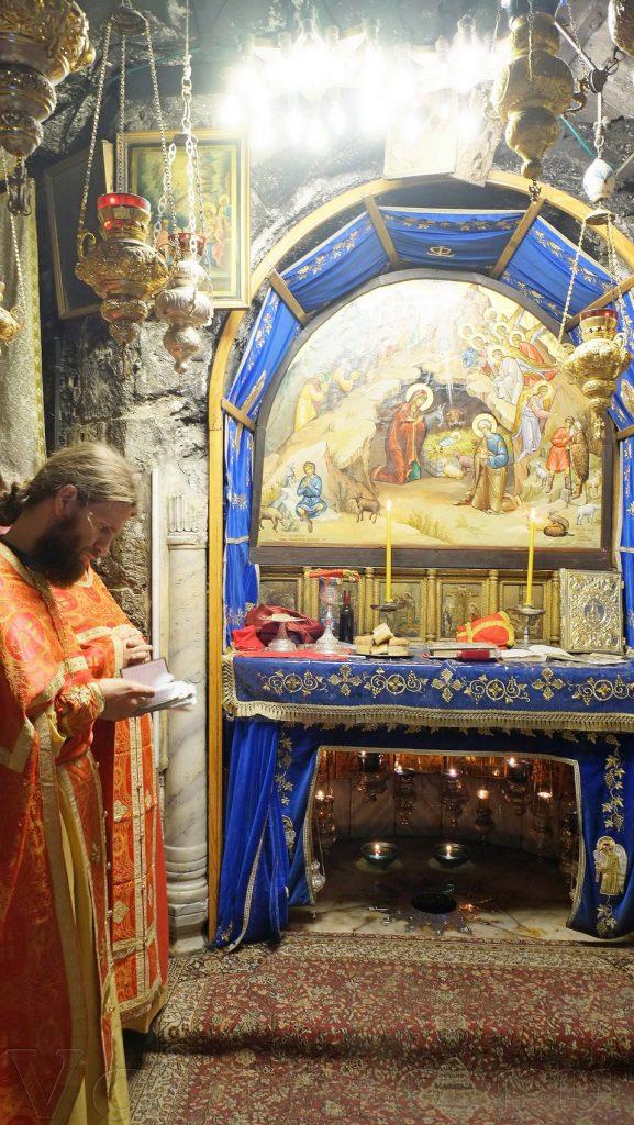 Божественная Литургия в Рождественской пещере  Святая Земля  Святая земля